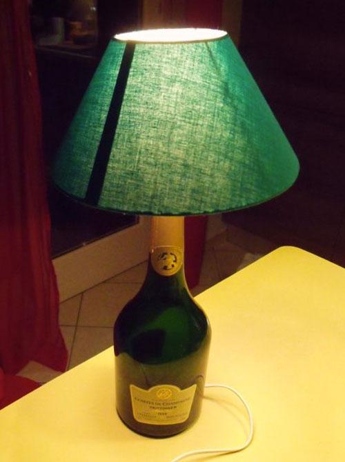 lampada con bottiglia