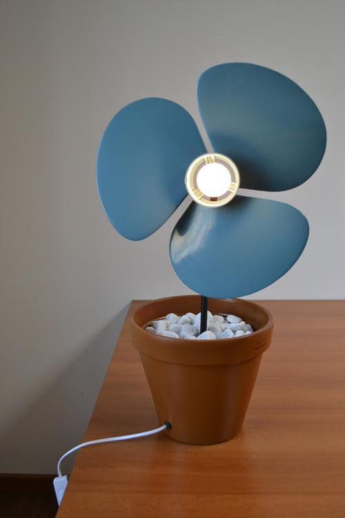 """""""VentilaFiore"""" lampada con elica per ventilatore"""