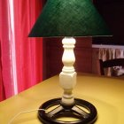 lampada con scarti vari
